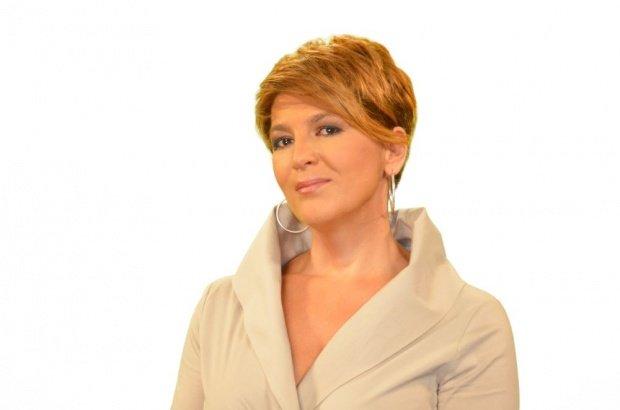 """Un nou sezon """"În Premieră cu Carmen Avram"""" va fi difuzat începând cu 18 martie, la Antena 3. Culisele emisiunii de succes"""