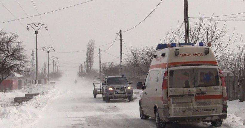 Intervenție la limită a pompierilor. Peste 20 de maşini sunt blocate la Frumușani: printre victime și o femeieînsărcinată