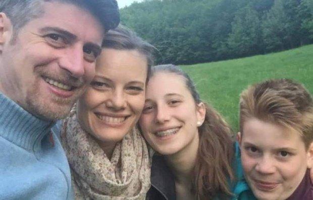 """Criminalul din Brașov spune că poate comunica telepatic cu familia sa: """"E mai bine acolo"""". Ce i-ar fi spus """"vocile"""" înainte de oribilele crime"""