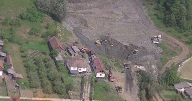 Avertismentul autorităților! Peste 25 de localităţi sunt afectate de alunecări de teren. Mai multe familii au fost notificate că ar trebui să părăsească locuinţele