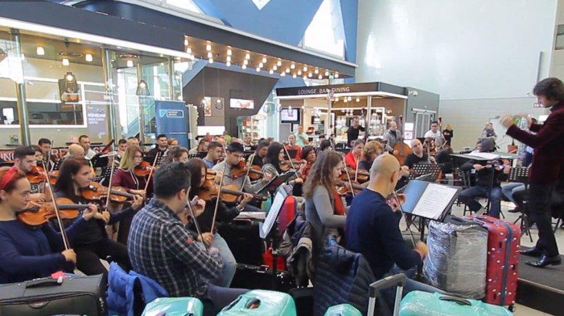 Eroii Zilei: Orchestra Simfonică București a cântat într-un cinema mai multe melodii celebre din filme