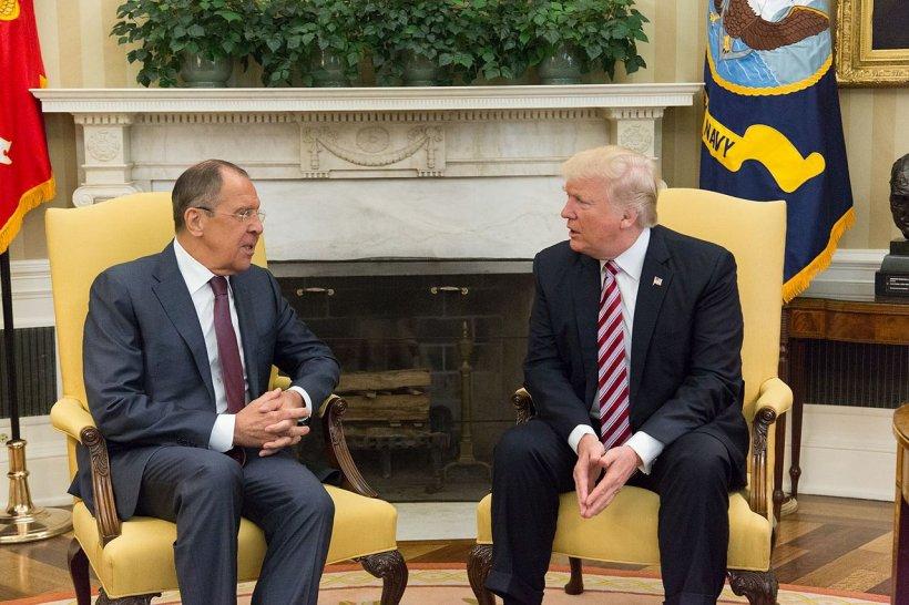 Moscova expulzează 60 de diplomaţi americani din Rusia şi închide consulatul SUA de la Sankt Petersburg