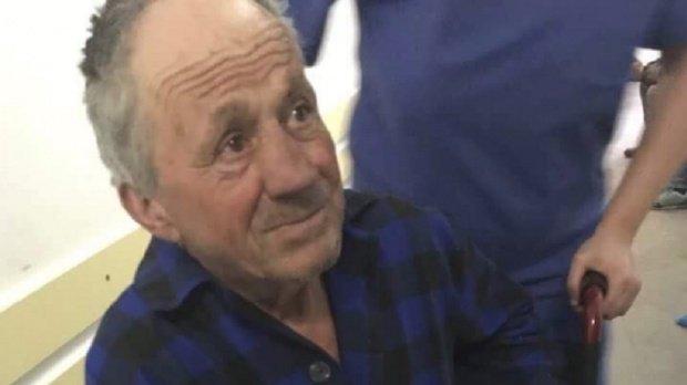 Cazul şocant al bătrânului bătut de doi tineri i-a impresionat pe români. Un medic a declanşat o campanie de strângere de fonduri