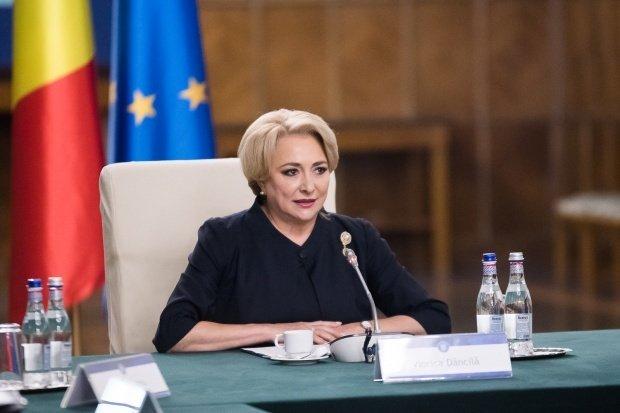 """Premierul Viorica Dăncilă prezintă bilanțul celor 100 de zile de guvernare: """"Nu putem vorbi decât de creșteri, nu de reduceri salariale"""""""