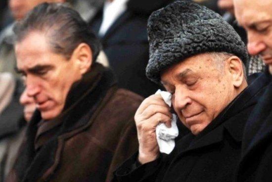 Klaus Iohannis, aviz pentru urmărirea penală a lui Ion Iliescu