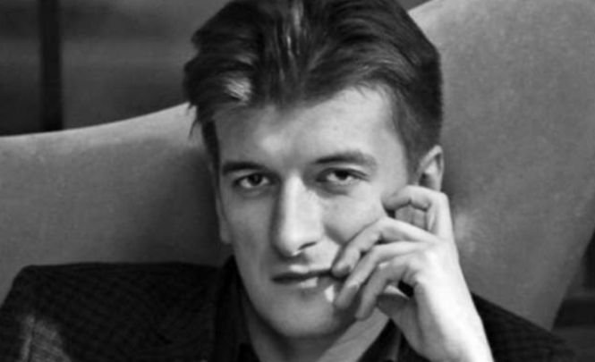 Moarte suspectă în Rusia. Un jurnalist de investigaţie a murit după ce a căzut de la balconul apartamentului său