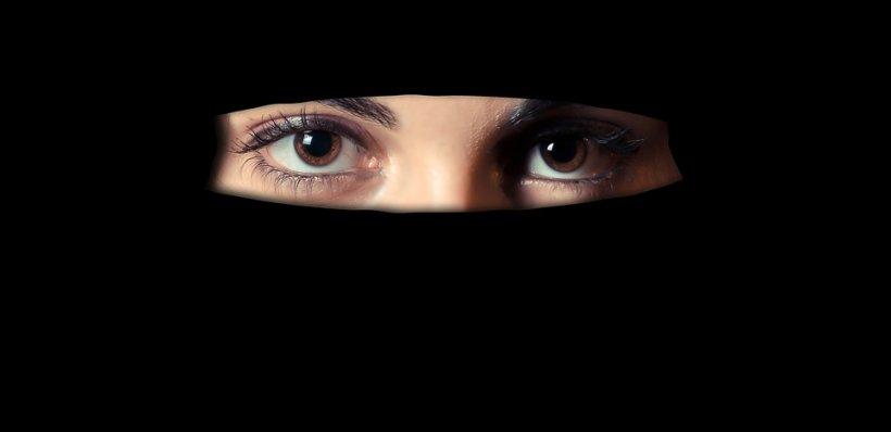 Drama unei românce care s-a căsătorit cu un arab: Urlam fără încetare și îl imploram să...