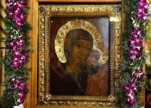 Icoană a Maicii Domnului, declarată făcătoare de minuni de Patriarhul Daniel. Unde se află