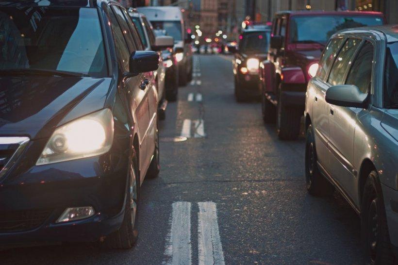 Unele categorii de mașini ar putea fi interzise în București, în anumite condiții
