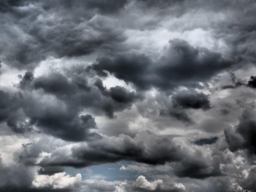 Alertă meteo de fenomene periculoase în mai multe județe din țară
