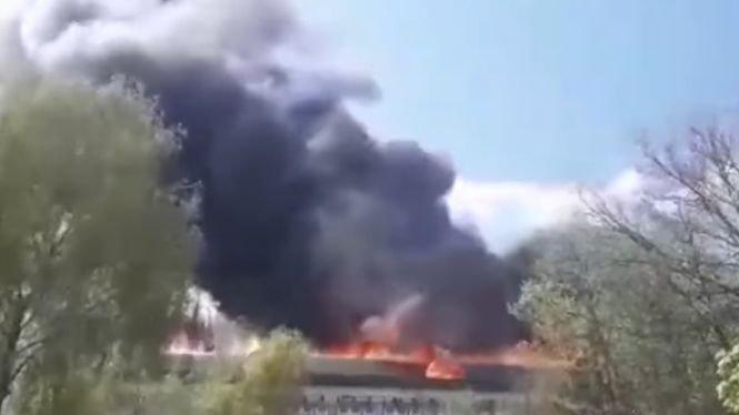 Incendiu puternic la Institutul de Zoologie din Chişinău. Zeci de pompieri au luptat să stingă flăcările - VIDEO