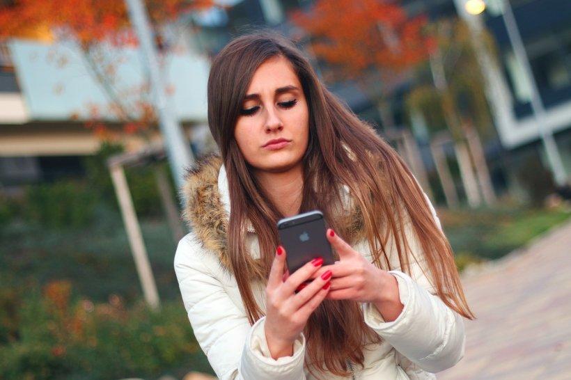 Telefonia mobilă se schimbă radical. Cum vei putea să dai SMS-uri de acum încolo