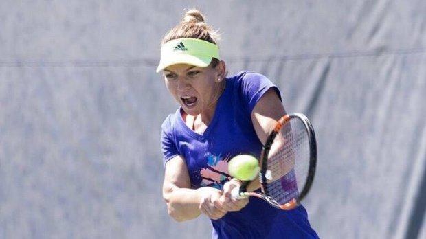 Simona Halep o învinge în trei seturi pe Viktorija Golubic, în primul meci al întâlnirii România - Elveţia