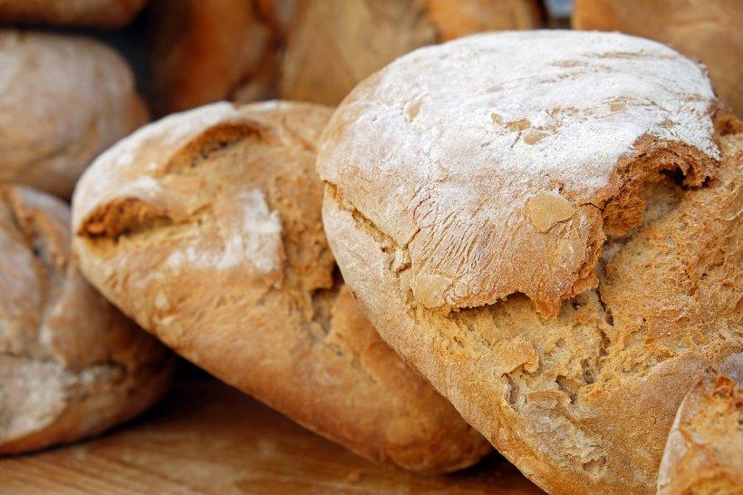 Boala cauzată de pâine afectează tot mai multe persoane. Simptomele pe care ai putea să le ai