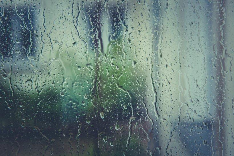 Cod galben de furtună pentru Capitală, până la ora 19:00
