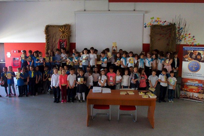 116 elevi din București au fost premiați în cadrul Concursului Aristotel