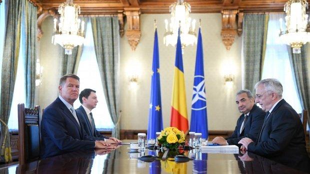 Președintele Klaus Iohannis a cerut BNR să nu se mai certe cu Guvernul