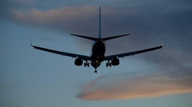 Incident pe Otopeni. O cursă TAROM s-a întors pe aeroport