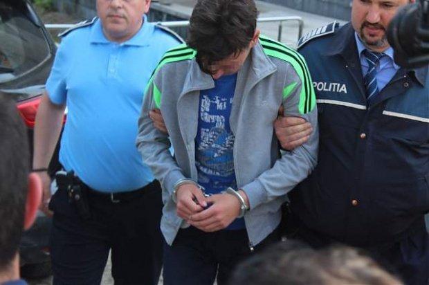 Iubita adolescentului criminal din Botoșani e păzită încontinuu să nu se sinucidă