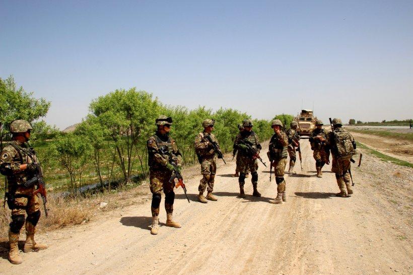 Cine sunt cei opt militari răniți în atentatul din Afganistan