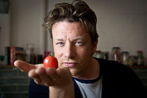 Faimosul bucătar englez Jamie Oliver a ajuns supraponderal, în ciuda sfaturilor despre alimentaţia sănătoasă