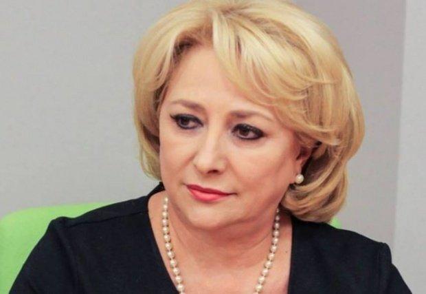 """Viorica Dăncilă: """"Sunt premierul României, trebuie să fiu un om echilibrat şi să încerc să ignor anumite lucruri"""""""