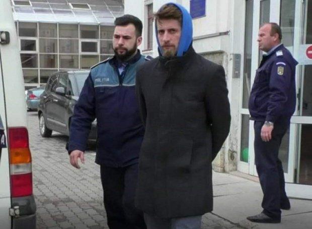 Criminalul din Brașov, care și-a ucis familia, a încercat să se sinucidă în arest