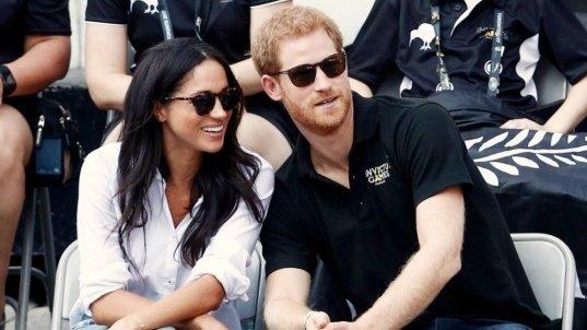 Meghan Markle şi Prinţul Harry încalcă tradiţia regală. De ce nu vor face celebra fotografie la balcon în ziua nunţii