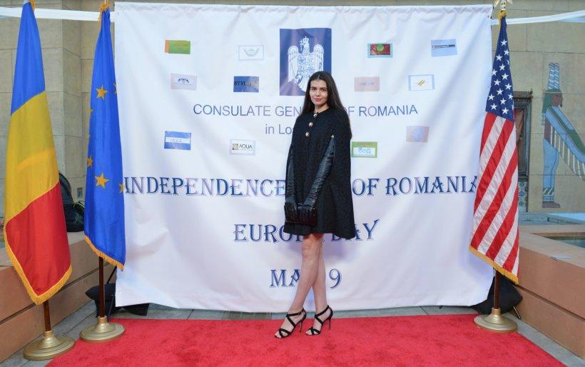FOTO Cum a ajuns Monica Gabor să reprezinte România la un festival de film European din SUA. Cine a mai fost alături de ea pe covorul roșu!