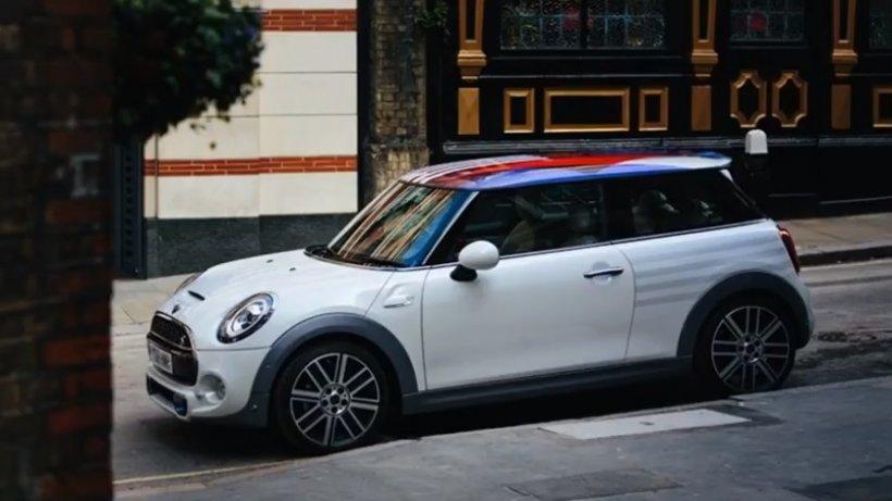 Cum arată mașina construită cu ocazia nunții  Prințul Harry cu Meghan Markle - VIDEO