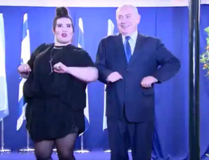 Câştigătoarea Eurovisionului l-a învăţat dansul găinii pe premierul Israelului - VIDEO