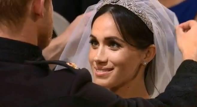 Nuntă regală. Ce i-a spus Prințul Harry lui Meghan, când a văzut-o pentru prima dată în rochia de mireasă