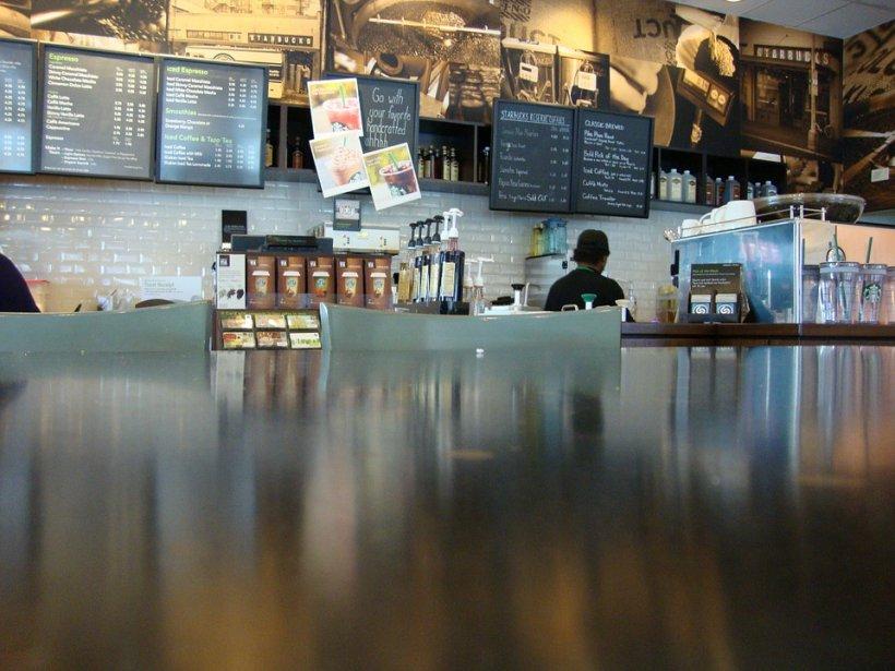 Decizie radicală luată de compania Starbucks