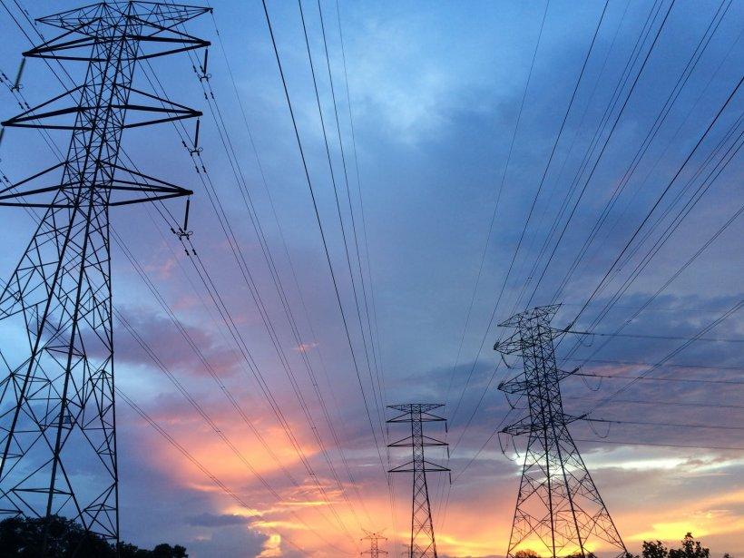 Scumpiri uriașe la energia electrică în ultimele două săptămâni. Cât a ajuns să coste