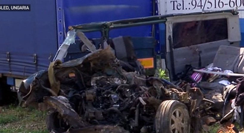 Antena 3, imagini în exclusivitate de la locul tragicului accident din Ungaria. E de-a dreptul șocant cum arată microbuzul implicat în incident - VIDEO