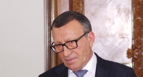 Vicepremierul Paul Stănescu: Klaus Iohannis cred că e dezinformat. Bani de pensii sunt