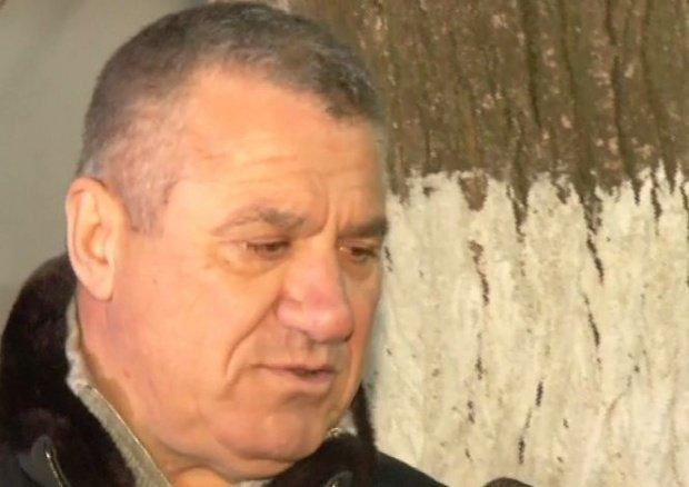 Victor Becali, dus de urgență la spital
