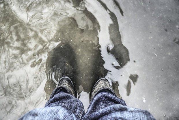 Cod galben de inundaţii în opt bazine hidrografice din Banat şi Crişana. Pentru cât timp e valabil