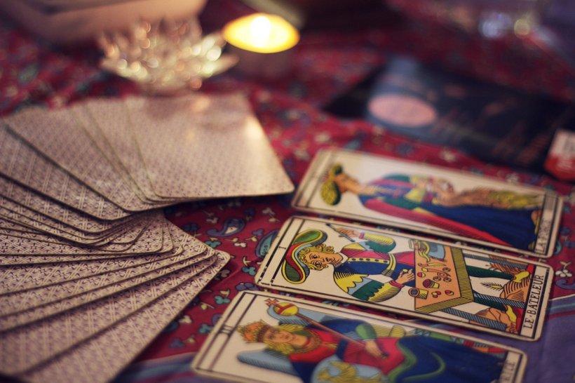 Horoscop. Ce carte de tarot îți corespunde în funcție de zodie și ce îți prezice