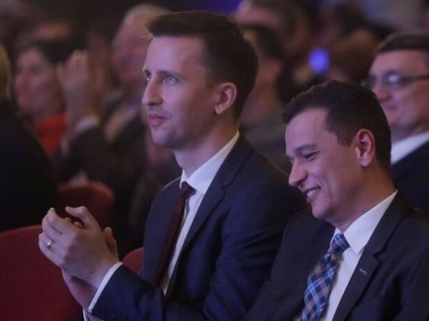 """Un alt fost ministru trece în tabăra lui Ponta: """"PSD se dovedeşte a fi un partid de mafioţi fără limite"""""""