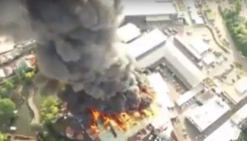 Incendiu de proporții în Germania. Peste 25.000 de oameni se aflau la locul incidentului - VIDEO