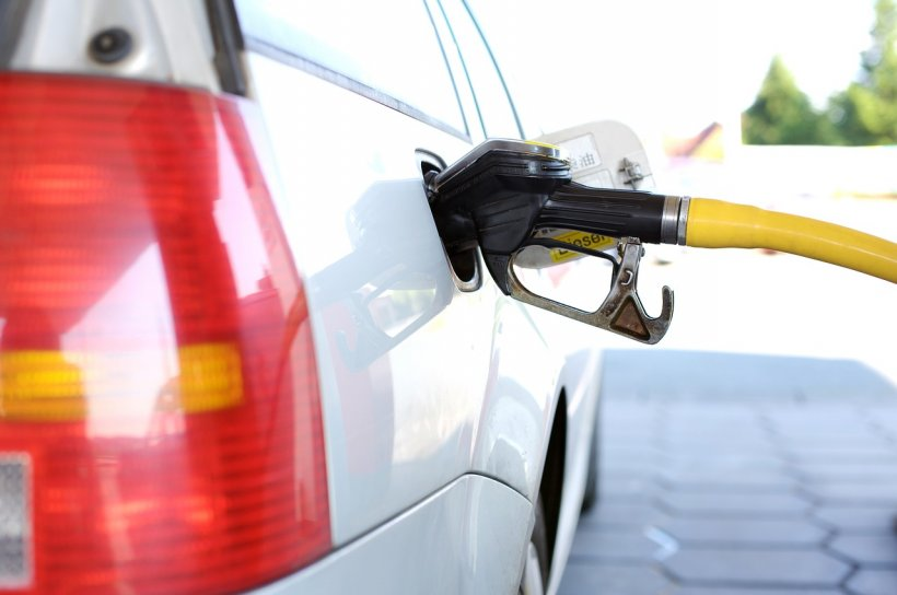 Carburanții s-au scumpit din nou. Cu cât s-au mărit prețurile în ultima săptămână
