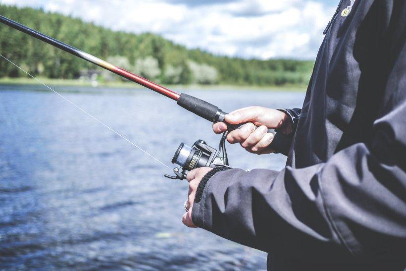 Un tânăr de 27 de ani și-a pierdut viața în timp ce se afla la pescuit
