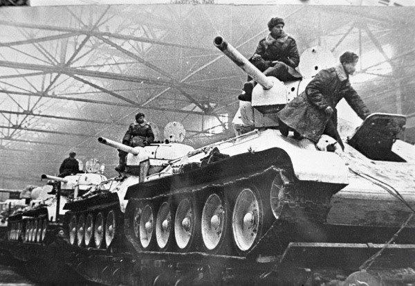 """Anul în care ar fi fost posibilă o invazie sovietică în România. """"În numele omenirii vă cerem să nu invadaţi România"""""""