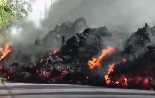 Cel mai mare vulcan din insula Hawaii face ravagii. Şuvoaiele de lavă fierbinte au atins o centrală energetică geotermală