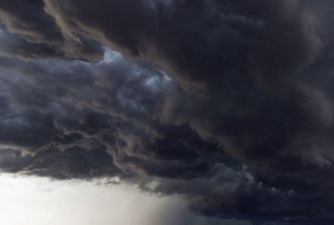 Fenomen extrem în Craiova. Cerul s-a înnegrit și ce a urmat i-a îngrozit pe toți