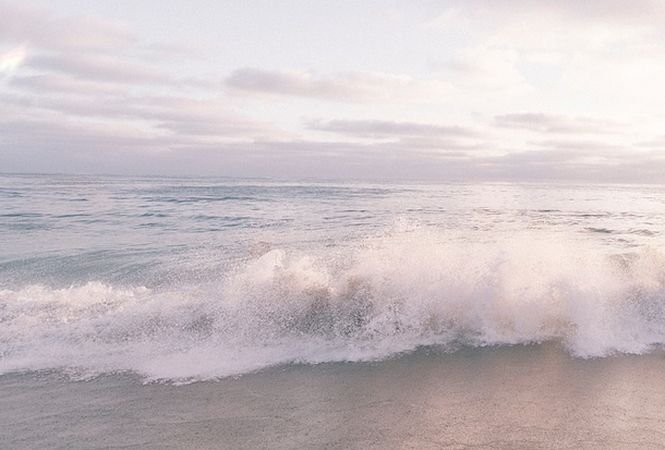 Scăldatul este interzis pe tot litoralul. Valurile ajung și la doi metri înălțime