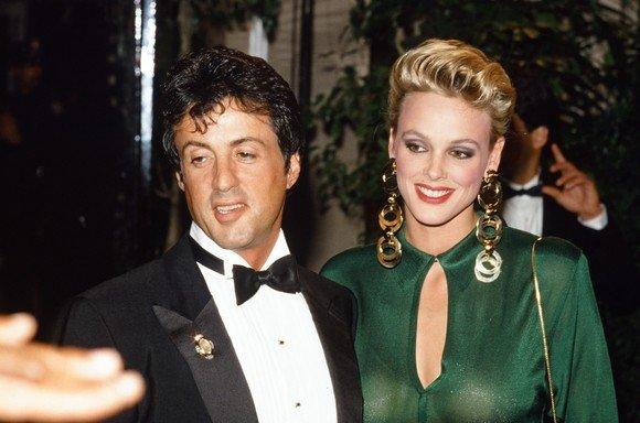 Cum arată fosta soție a lui Sylvester Stallone însărcinată la 54 de ani! A fost o bomba sexy a anilor '80, iar acum e spectaculoasă deși este gravidă la o vârstă înaintată