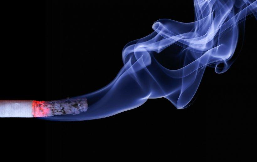 Țigările nu mai sunt la modă. Numărul impresionant de persoane care au renunțat la fumat în Franța