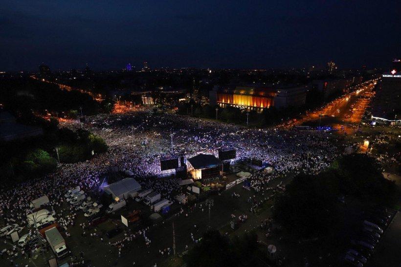 Mitingul PSD s-a încheiat. Piața Victoriei s-a luminat cu lanterne. Cele mai importante mesaje transmise de liderii Coaliției (FOTO+VIDEO)